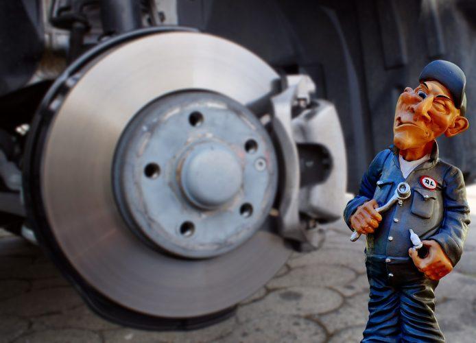 事故車・修復歴などのある車を買取に出す際の注意点について解説